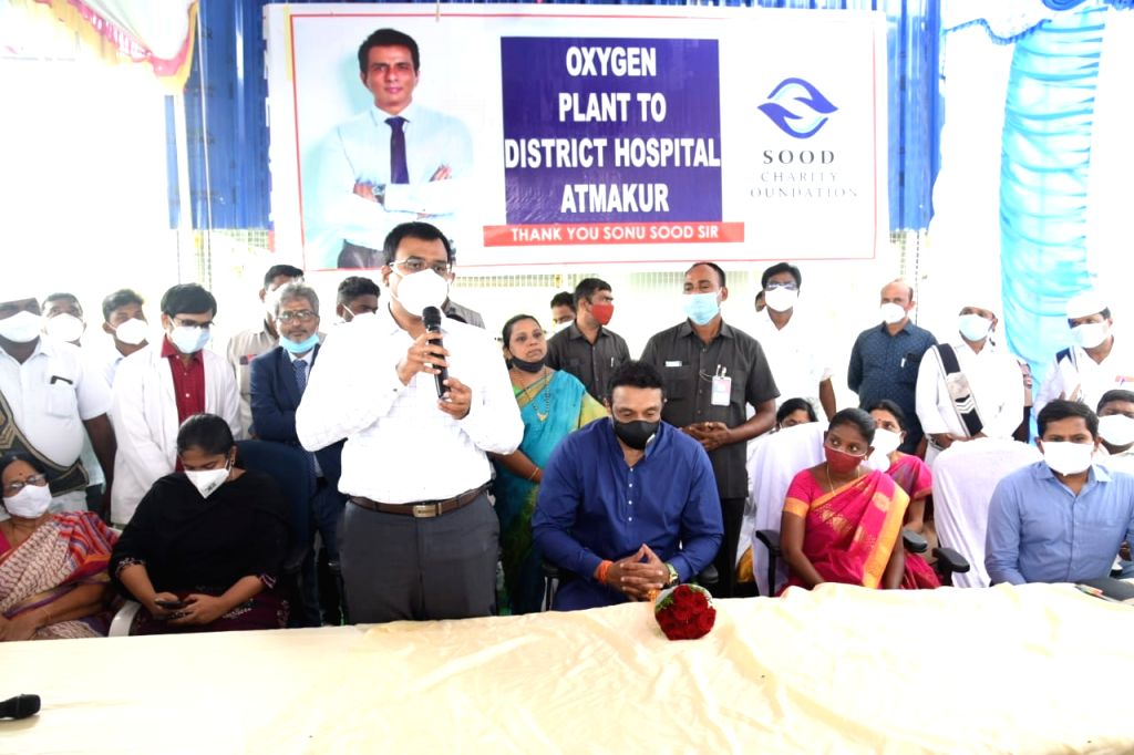 AP minister inaugurates Rs 1.5 C oxygen plant funded by Sonu Sood