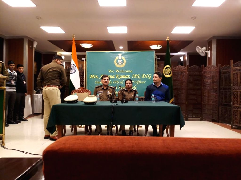 Aparna Kumar, (Center) the first woman IPS officer to reach South Pole. - Aparna Kumar