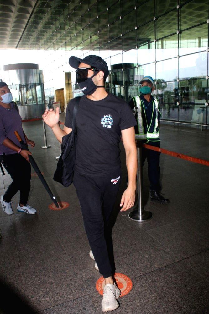 Aparshakti Khurana Spotted At Airport Departure in Mumbai on 24 june,2021.
