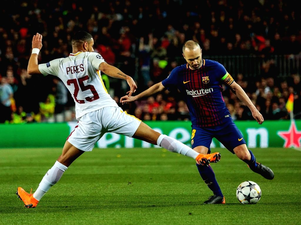 April 4, 2018 - Camp Nou, Barcelona, Spain (08) Iniesta (centrocampista) y (25) Bruno Peres Partido de cuartos de final de la Champions League entre el FC Barcelona y AS Roma disputado en el Camp Nou.