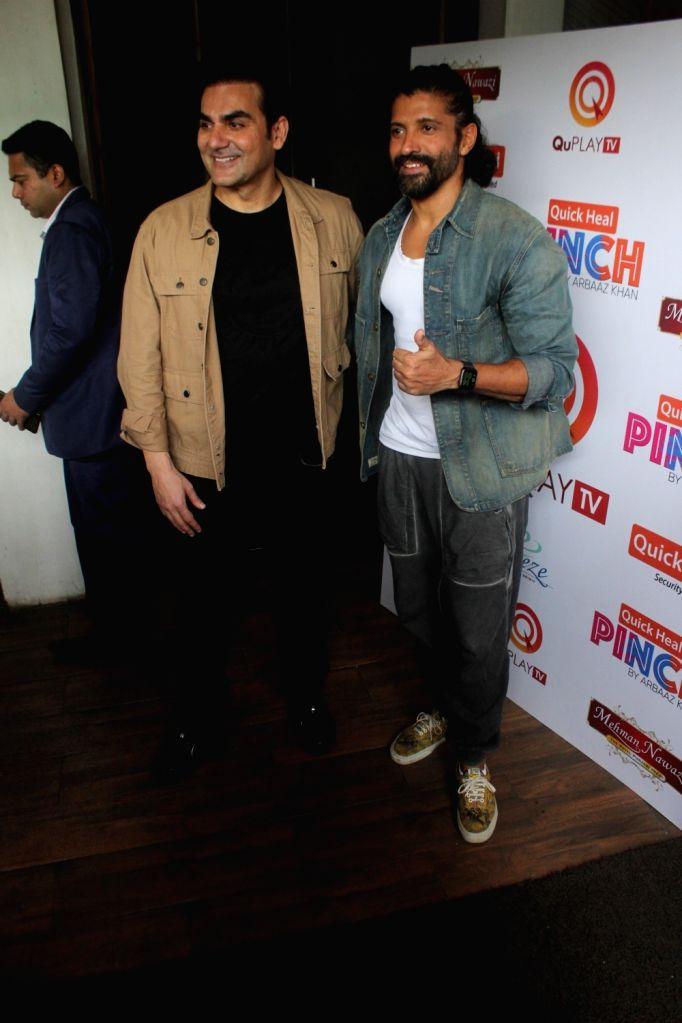 Arbaaz Khan and Farhan Akhtar spotted in Juhu on Thursday 25rd February 2021. - Farhan Akhtar and Arbaaz Khan