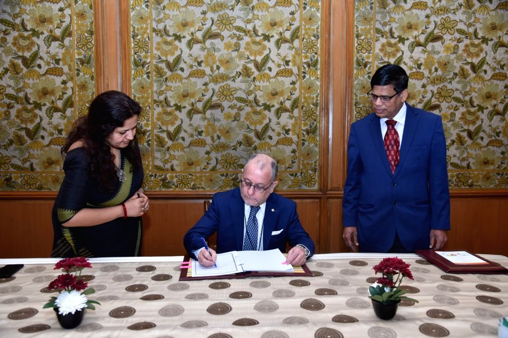 Argentine Foreign Minister Jorge Faurie signs the framework agreement of the International Solar Alliance (ISA) in New Delhi, on Feb 18, 2019. - Jorge Faurie