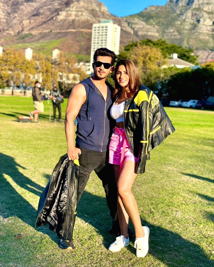 Arjun Bijlani posts pics with Nikki Tamboli, fans feel they look 'perfect together