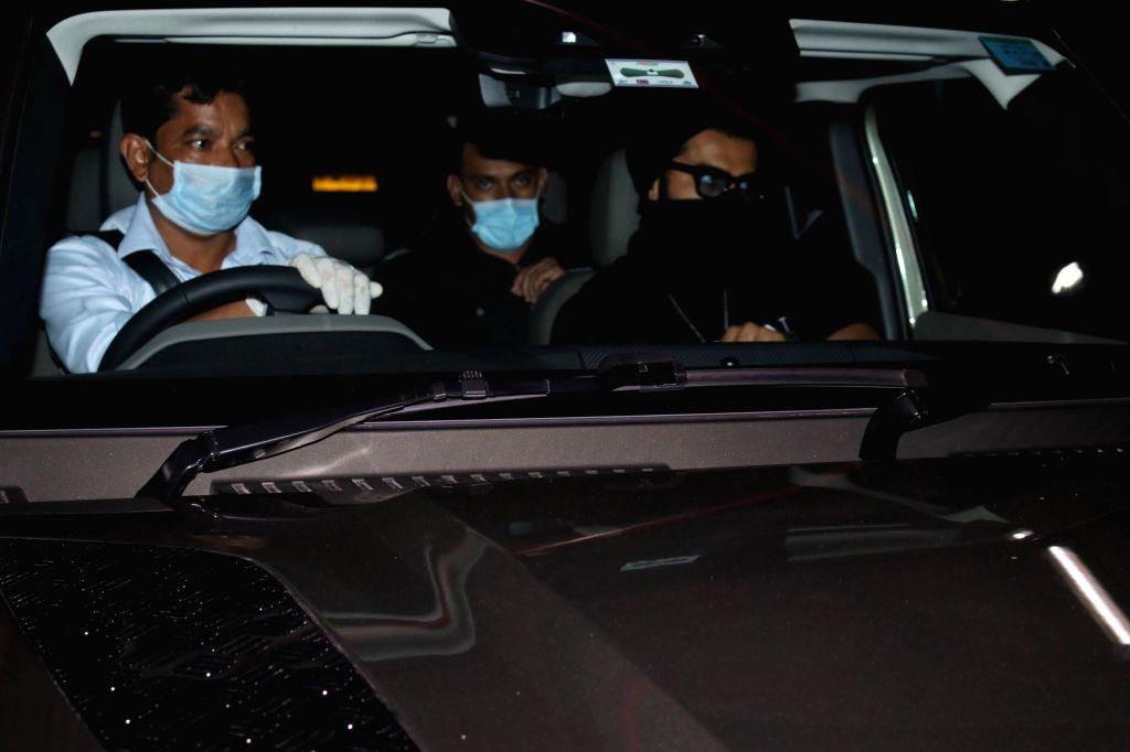 Arjun Kapoor & Tara Sutaria Spotted at Airport Arrival On Saturday, 24 April, 2021. - Arjun Kapoor