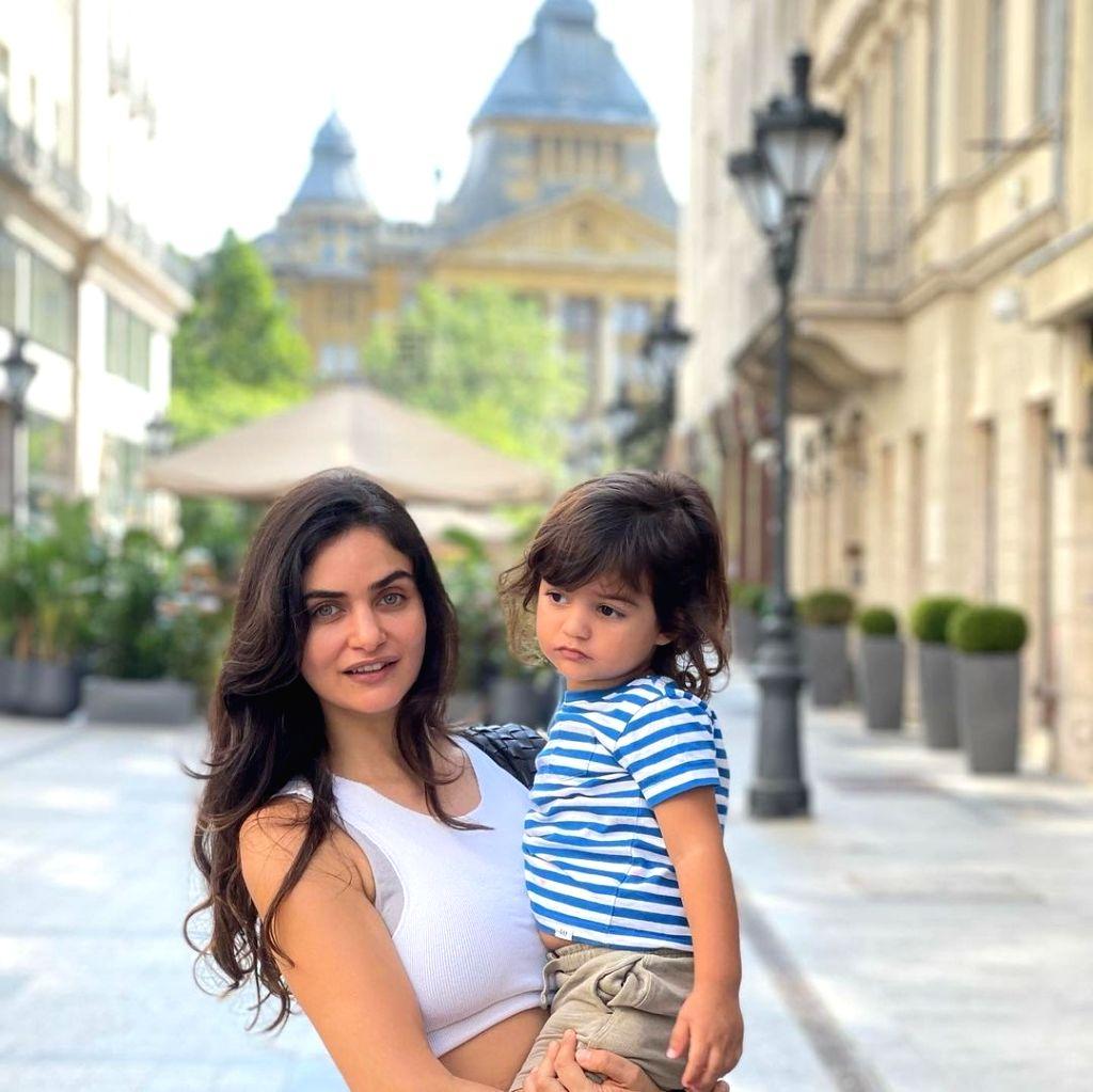 Arjun Rampal shares pics from Budapest vacay with girlfriend Gabriella, son Arik.(photo:instagram) - Arjun Rampal