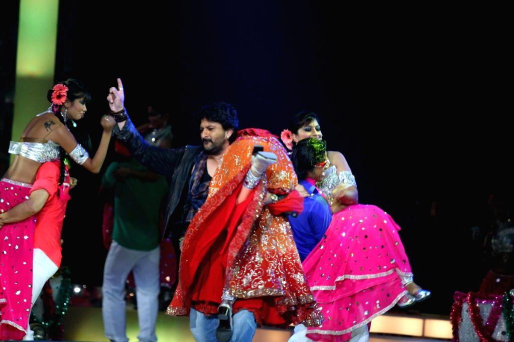 Arshad Warsi at Apsara Awards in Chitrakot Grounds. - Arshad Warsi
