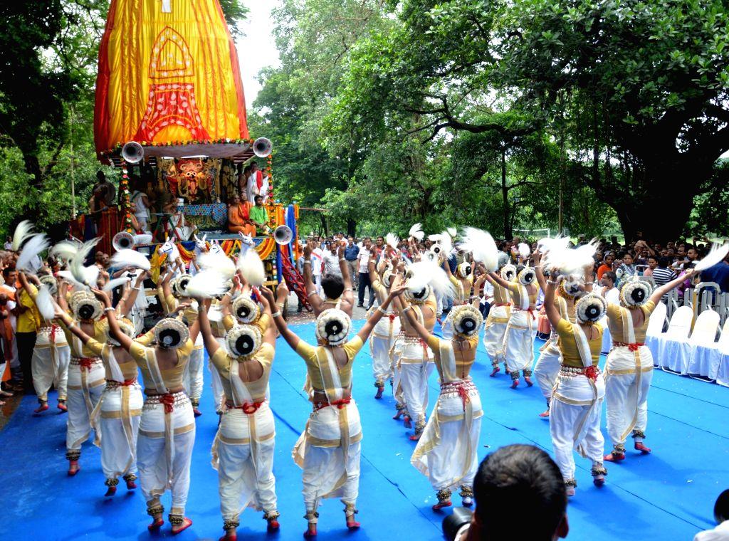 Artistes perform during the Ulta Rath Yatra festival in Kolkata on Jul 3, 2017.
