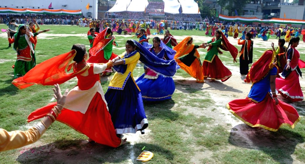 "Artists perfom on the occasion of 70th ""Independence Day"" celebration in Amritsar on Aug 15, 2016."