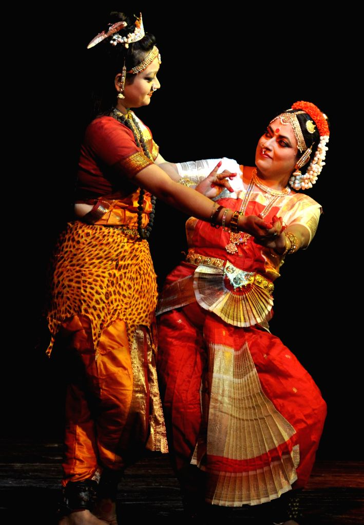 Artists perform Bharatanatyam during `Nrittya-Utsav` organised by Prayas Kala Kendra at District Library Auditorium in Guwahati on Sept 3, 2014.