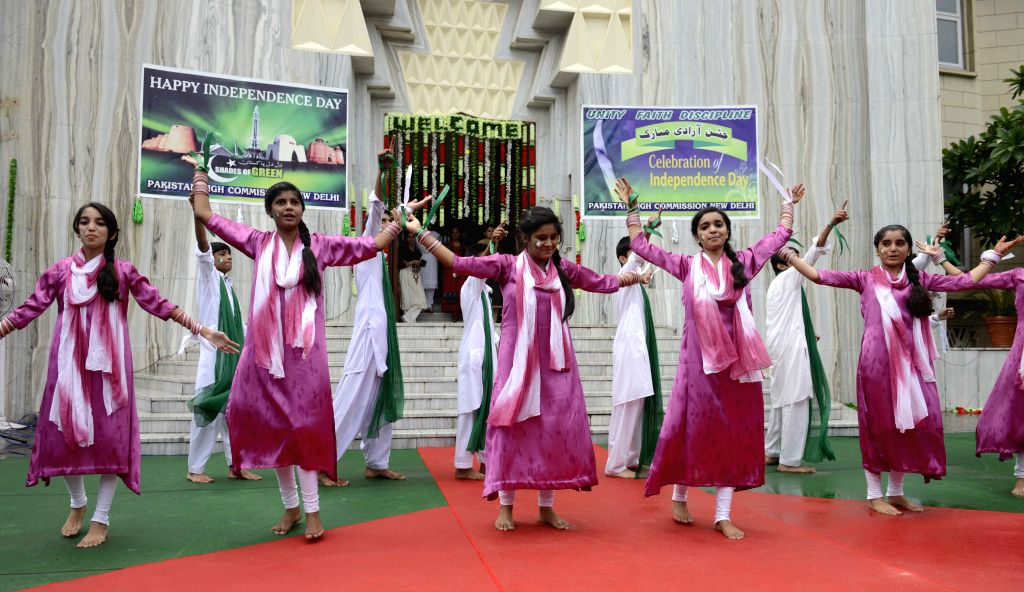 Artists perform during a programme organised on Pakistan's Independence Day at Pakistan High Commission in New Delhi on Aug 14, 2015.