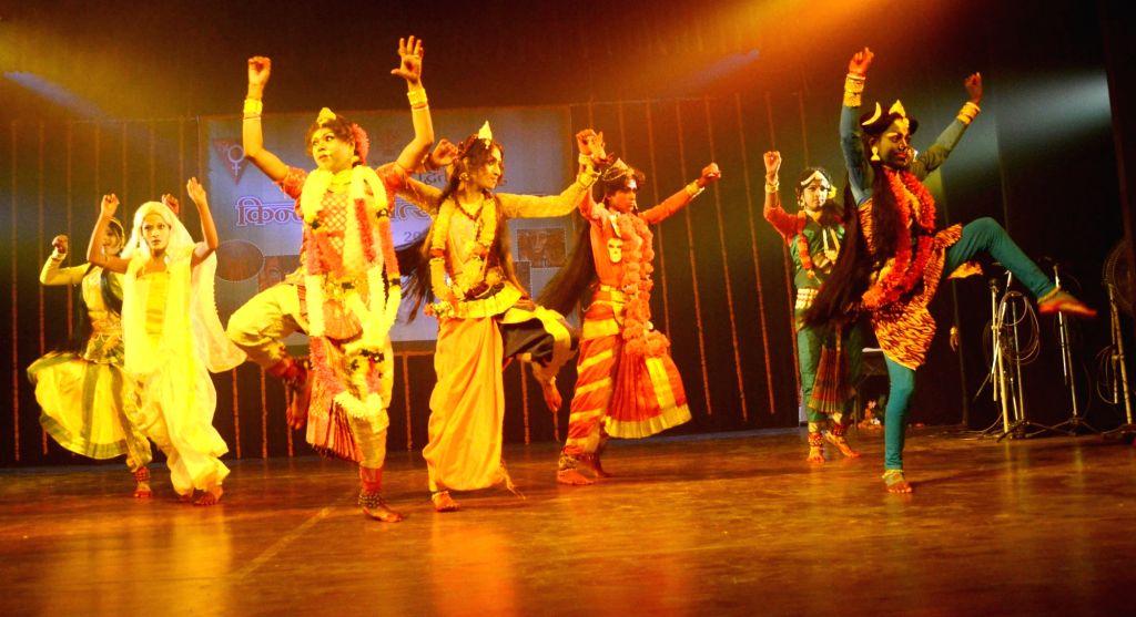 """Artists perform during """"Kinnar Mahotsav"""" in Patna, on June 23, 2017."""
