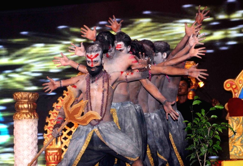 Artists perform during Ramleela at Luv Kush Ramlila Committee in New Delhi on Oct 5, 2016.