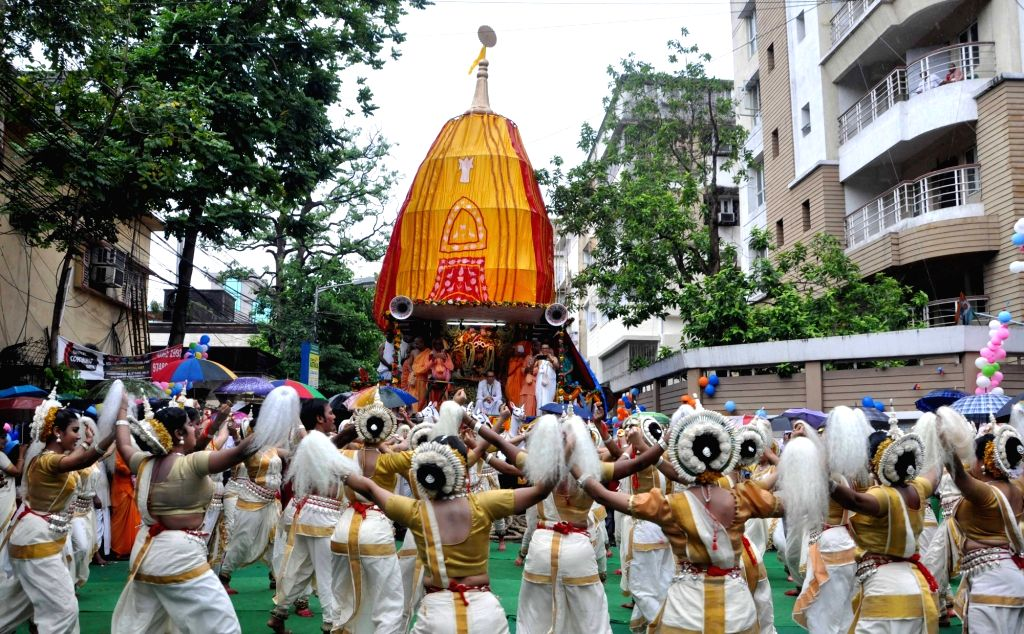 Artists perform during  rath yatra organised by ISKCON in Kolkata, on June 25, 2017.