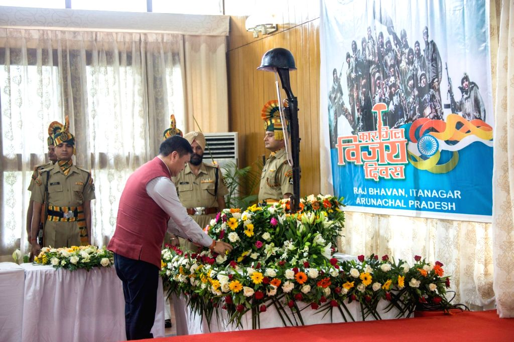 Arunachal Pradesh Chief Minister Pema Khandu pays tributes to martyrs on the 20th Anniversary of  Kargil Vijay Diwas, at Raj Bhavan in Itanagar on July 26, 2019. - Pema Khandu