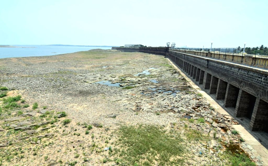 As per the direction by the Cauvery Water Management Authority (CWMA), a team of Cauvery Water Regulatory Committee (CWRC) visited to Krishnaraja Sagar Reservoir (KRS) in Mandya district on ...