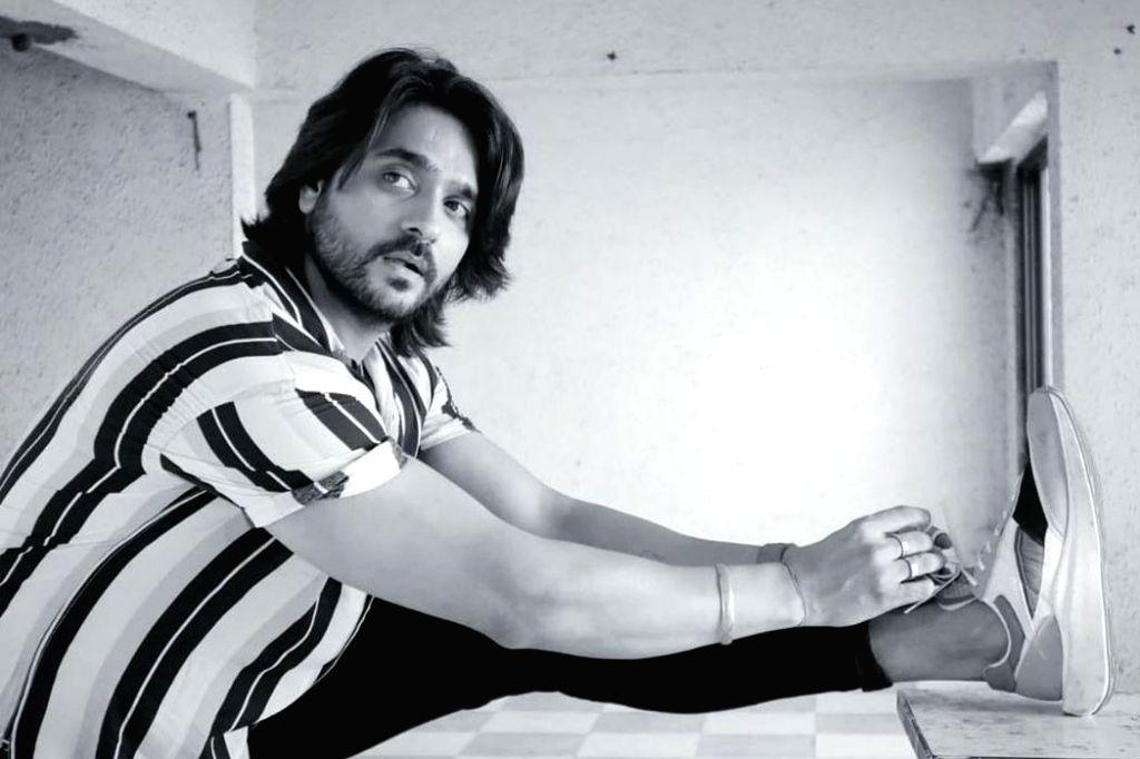 Ashish Sharma's 'rattling' encounter with snakes. - Ashish Sharma
