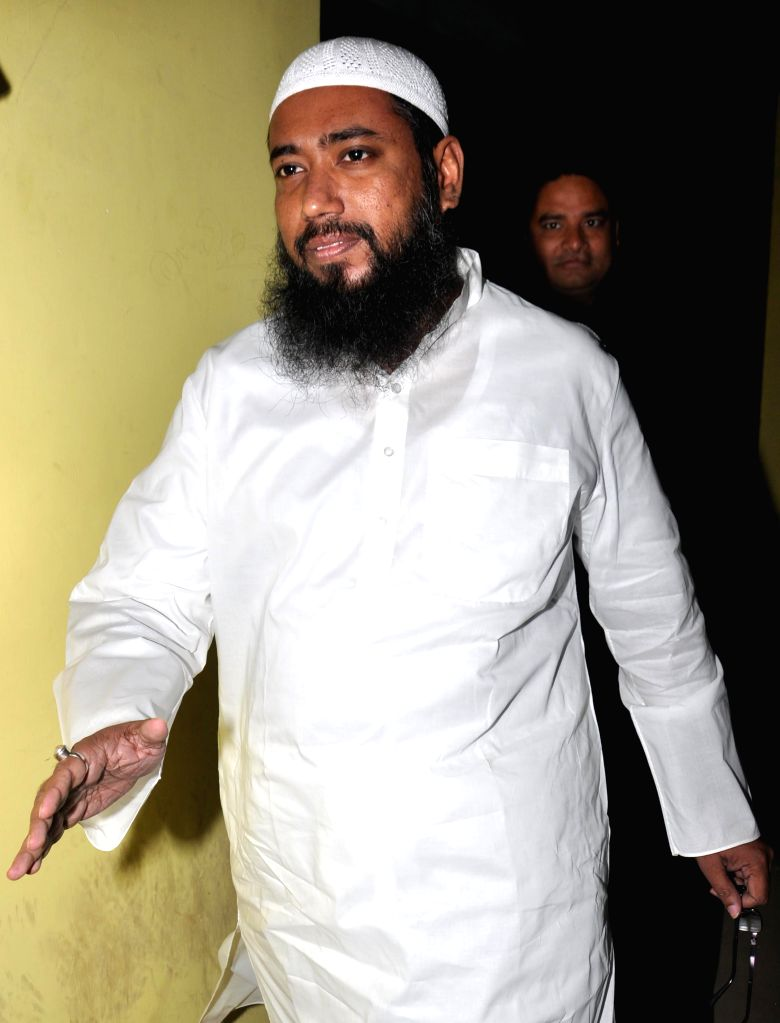 Asif Khan, owner of a famous Kolkata restaurant arrives to appear before the CBI in connection with multi-crore-rupee Saradha chit fund scam in Kolkata on Sept 9, 2014.