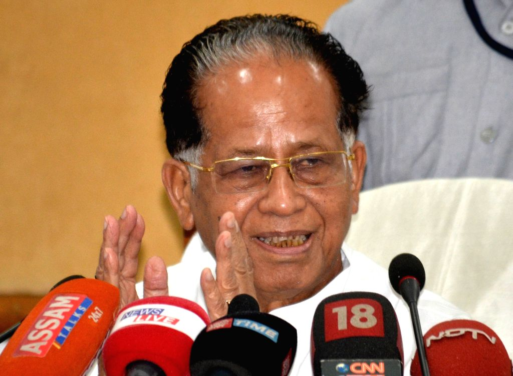 Assam Chief Minister Tarun Gogoi addresses a press conference in Guwahati, on Aug 17, 2015. - Tarun Gogoi