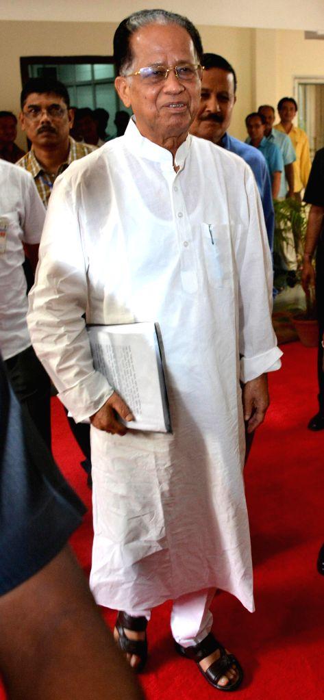 Assam Chief Minister Tarun Gogoi arrives to present State Budget 2014-15 at Assam Legislative Assembly in Guwahati on Aug 11, 2014. - Tarun Gogoi