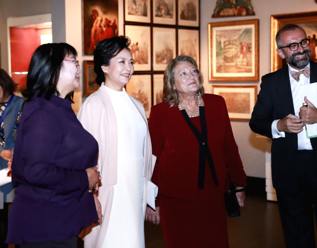 ATHENS, Nov. 11, 2019 - Peng Liyuan, wife of Chinese President Xi Jinping, tours the Benaki Museum accompanied by Vlassia Pavlopoulou-Peltsemi, wife of Greek President Prokopis Pavlopoulos, in ...