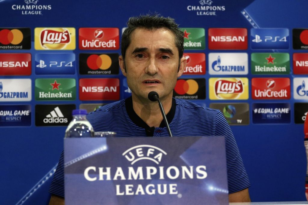 ATHENS, Oct. 31, 2017 (Xinhua) -- Barcelona's head coach Ernesto Valverde speaks during a press conference at Karaiskaki Stadium in Piraeus near Athens, Greece, on Oct. 30, 2017. Barcelona will play against Olympiakos in a Champions League group D so