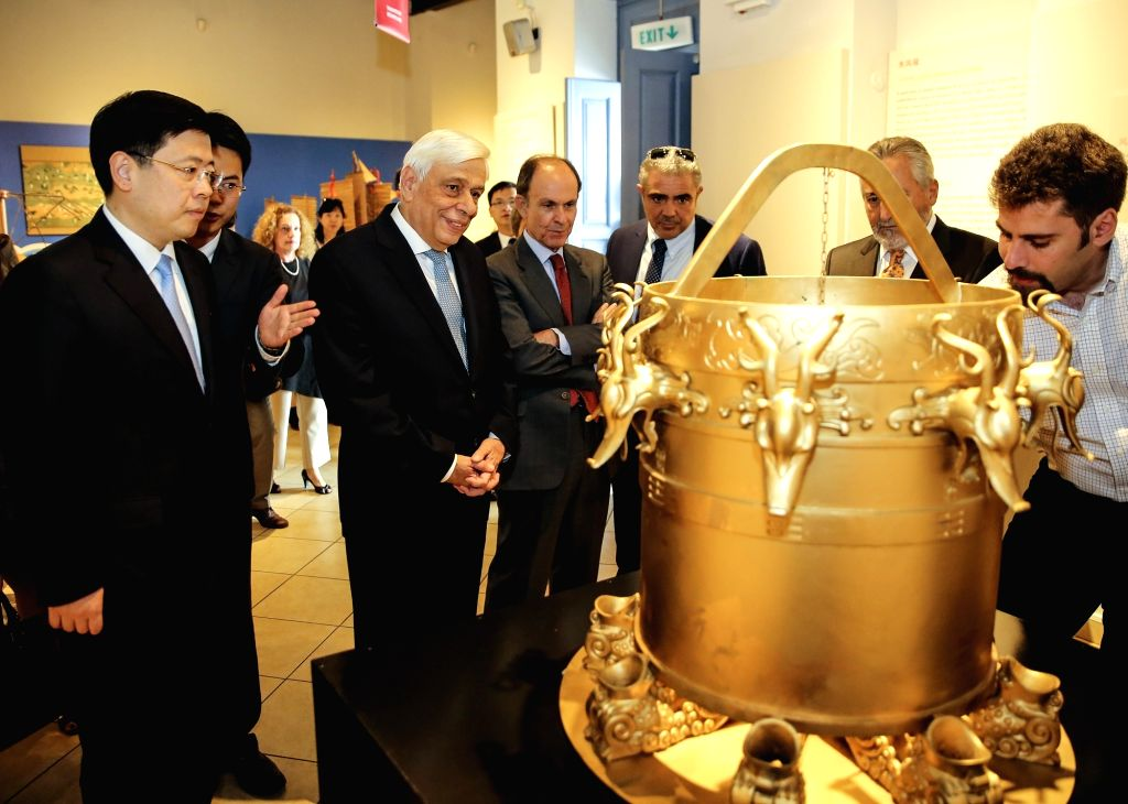 ATHENS, Sept. 27, 2017 - Greek President Prokopis Pavlopoulos, accompanied by Chinese Ambassador to Greece Zou Xiaoli, visits an exhibition of ancient Chinese science and technology at Herakleidon ...