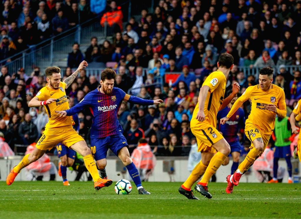 Atletico Madrid scored twice in the final 10 minutes of regulation to defeat Barcelona 3-2 in their Spanish Super Cup semi-final.