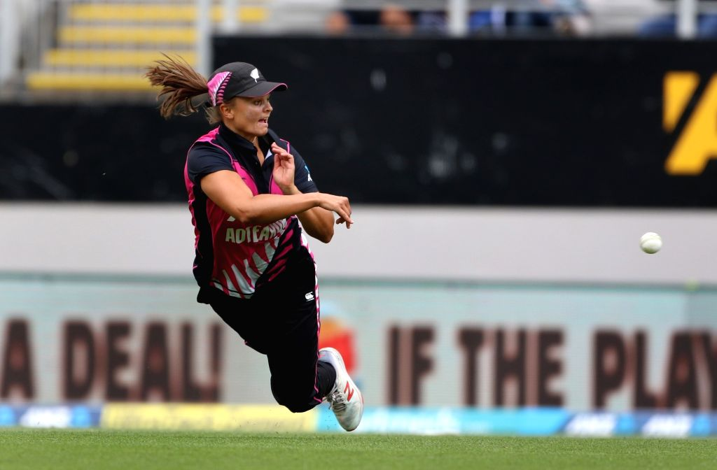 Auckland (New Zealand): New Zealand's Suzie Bates in action during the second women's T20I match between India and New Zealand at Eden Park in Auckland, New Zealand on Feb 8, 2019. (Photo: Surjeet Yadav/IANS) - Surjeet Yadav