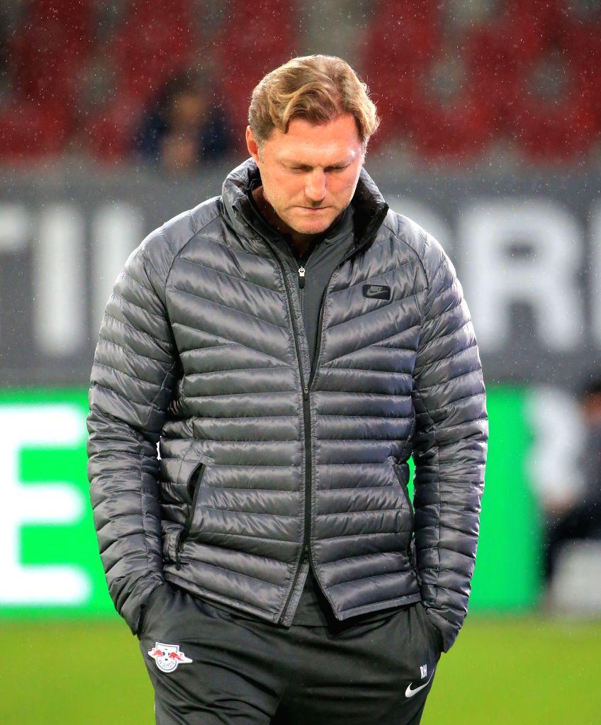 AUGSBURG, Sept. 20, 2017 - RB Leipzig's head coach Ralph Hasenhuettl reacts during a German Bundesliga match between FC Augsburg and RB Leipzig, in Augsburg, Germany, on Sept. 19, 2017. RB Leipzig ...