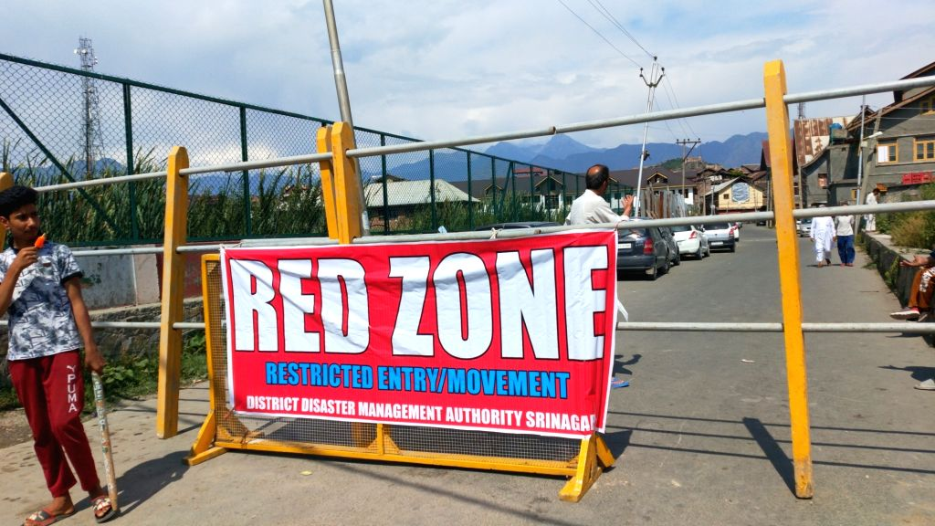 Authorities order 100% testing in Srinagar containment zones