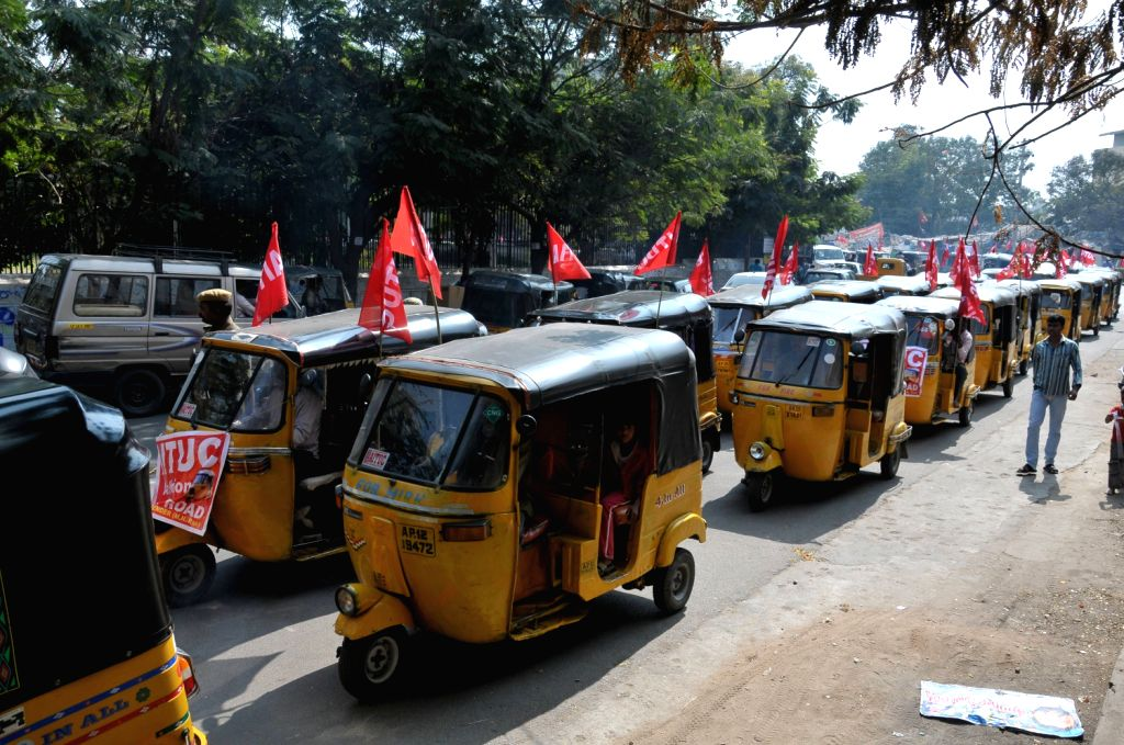 Auto Rakhsaw Drivers Union and AITUC Taken out Rally in Hyderabad.