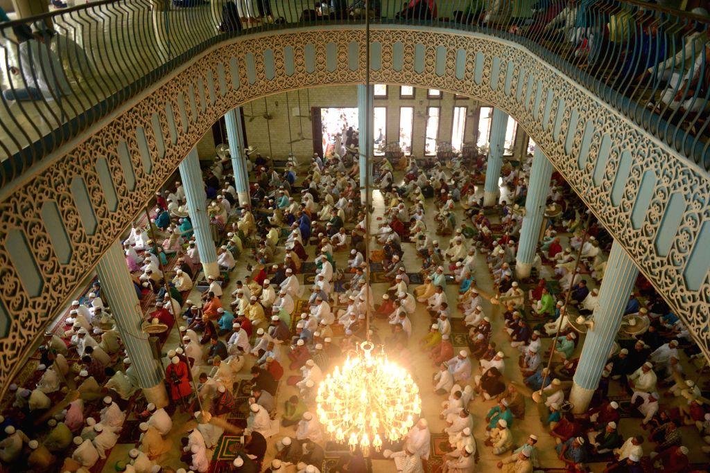 B'desh Imam tests COVID-19 positive after leading Ramzan prayers