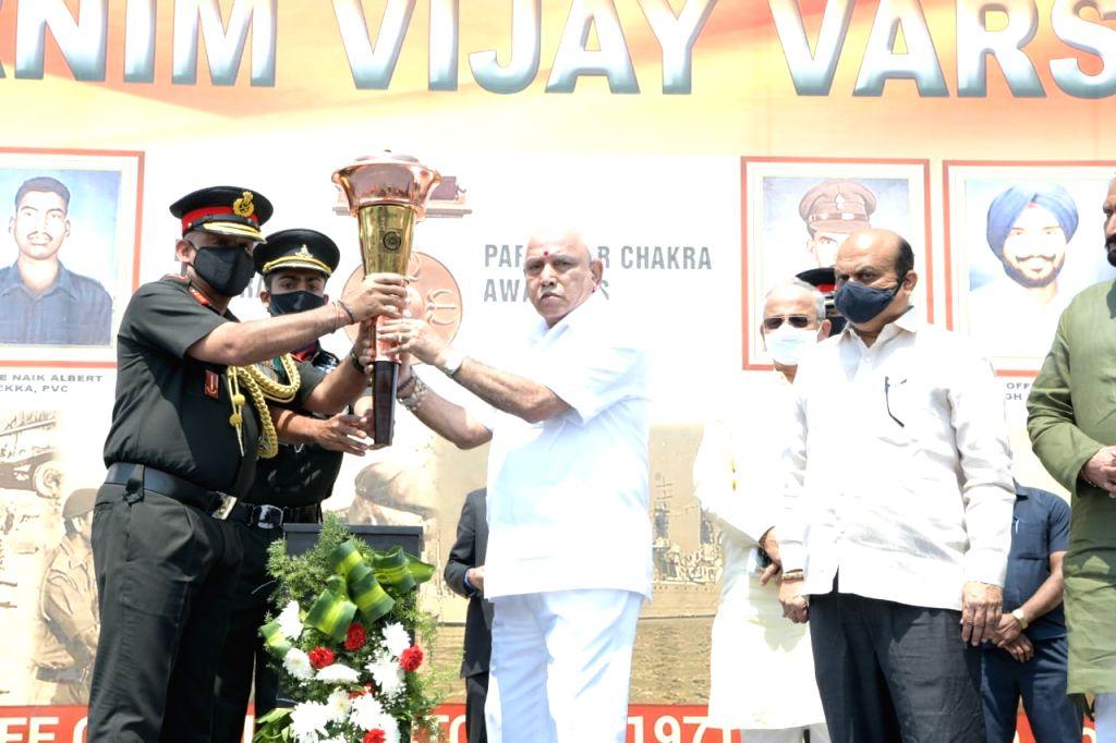 """B'LORE ON: """"Karnataka CM felicitates 1971 war heroes in Bengaluru"""":"""