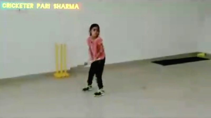 baby girl version of dhoni.