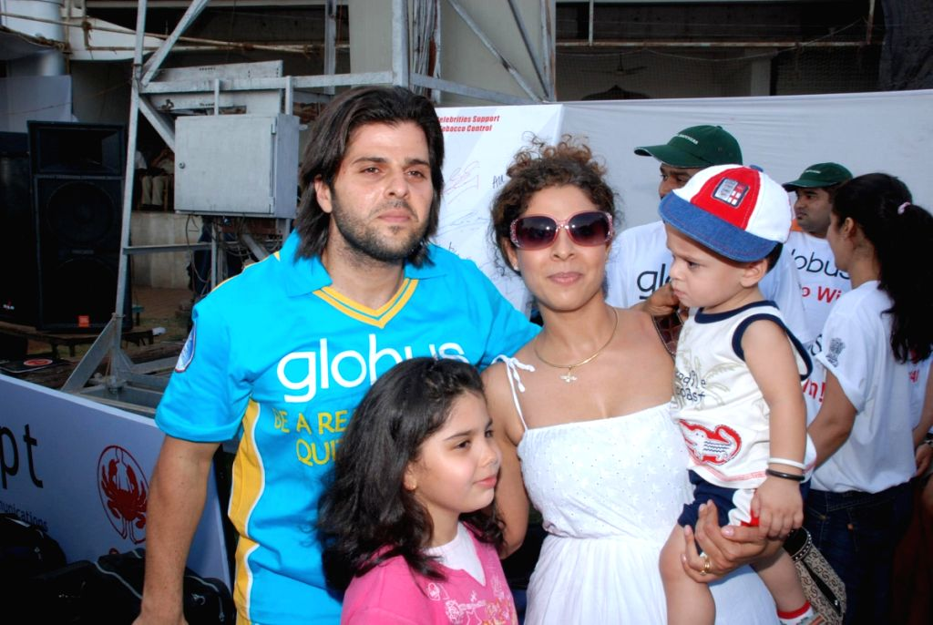 Bachchan family after casting their votes in Mumbai.