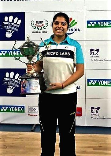 Badminton player Akarshi Kashyap poses with Women's Singles trophy at the Yonex Sunrise All India Senior Ranking Tournament in Bengaluru on Jan 12, 2020. - Akarshi Kashyap