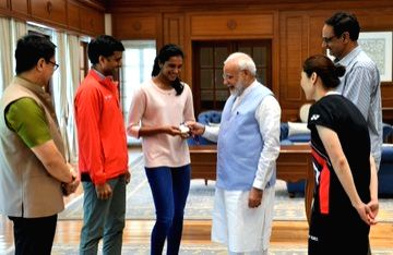 Badminton world champion PV Sindhu calls on Prime Minister Narendra Modi in New Delhi, on Aug 27, 2019. - Narendra Modi