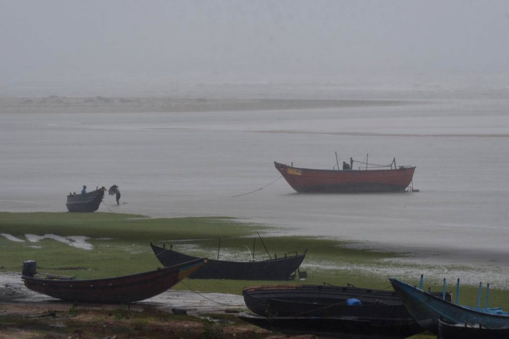 Balasore: Rains triggered by the effect of cyclonic storm Amphan lash Talasari beach in Balasore district of Odisha on May 20, 2020. The Odisha government has evacuated over 1.37 lakh people to safer places as extremely severe cyclone Amphan hurtled