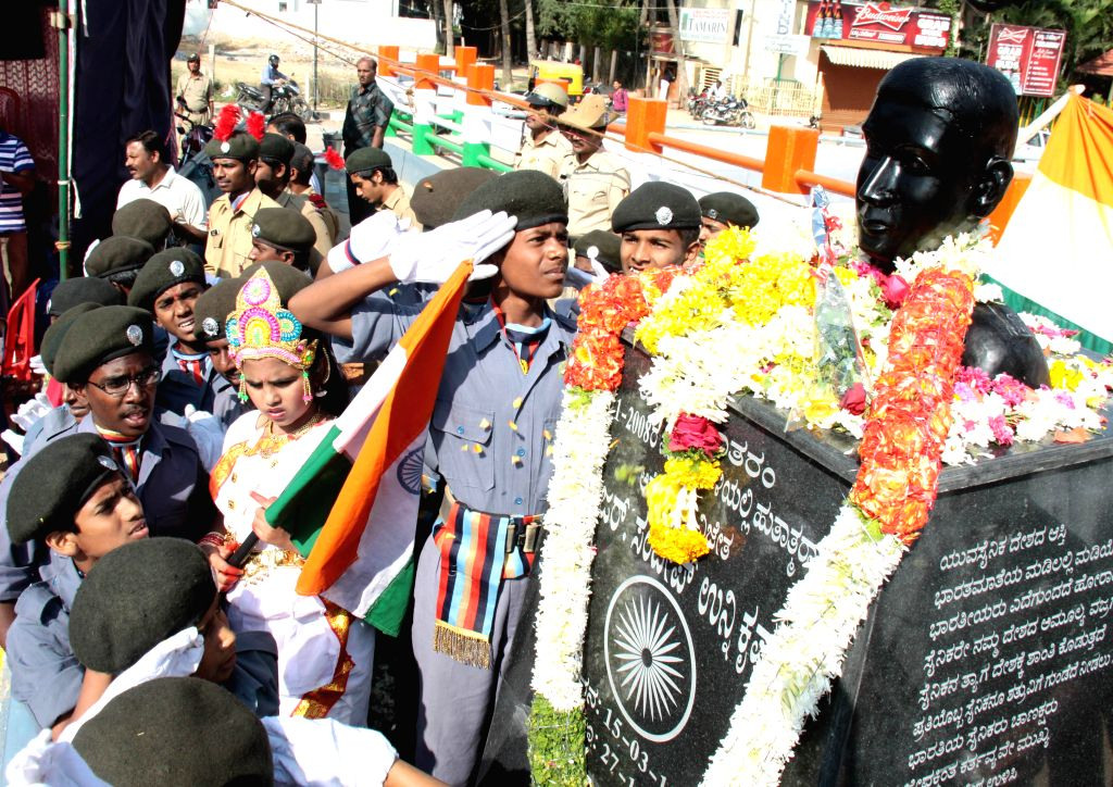 Bangalore, Karnataka, India, Monday, 26 Nov, 2012, NCC Candidates salute Major Sandeep Unnikrishnan Statue, during its inauguration on his 4th death Anniversary at Ramamurthynagar. ImagesMart.co/BV Vijay Kumar - Vijay Kumar