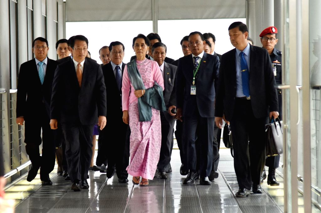 BANGKOK, June 23, 2016 - Myanmar State Counselor and Foreign Minister Aung San Suu Kyi (C) arrives at Suvarnabhumi Airport in Bangkok, Thailand, June 23, 2016. Aung San Suu Kyi left Yangon Thursday ... - Aung San Suu Kyi