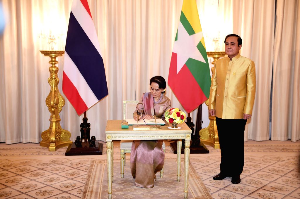 BANGKOK, June 24, 2016 - Thai Prime Minister Prayut Chan-o-cha (R) meets with Myanmar State Counselor and Foreign Minister Aung San Suu Kyi at the Government House in Bangkok, Thailand, June 24, ... - Prayut Chan
