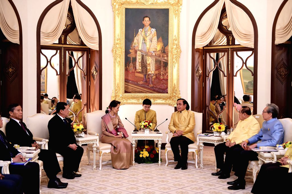 BANGKOK, June 24, 2016 - Thai Prime Minister Prayut Chan-o-cha (R, center) meets with Myanmar State Counselor and Foreign Minister Aung San Suu Kyi (L, front) at the Government House in Bangkok, ... - Prayut Chan
