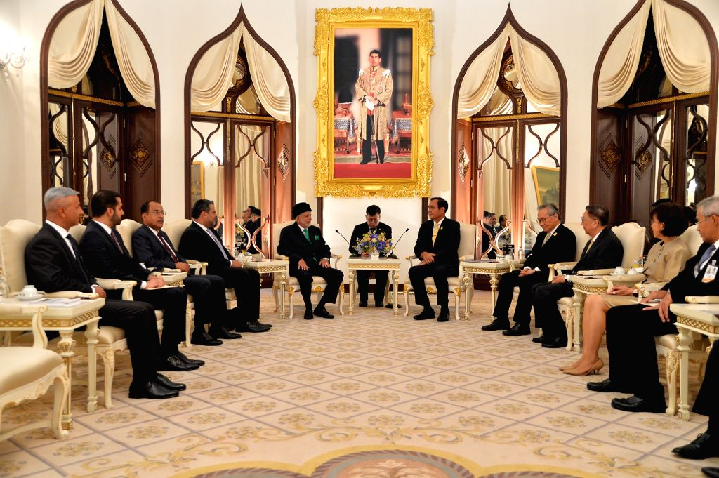 BANGKOK, March 11, 2019 - Thai Prime Minister Prayut Chan-o-cha (5th R) meets with Oman's Minister Responsible for Foreign Affairs Yousuf bin Alawi bin Abdullah (5th L) in Bangkok, Thailand, March ... - Prayut Chan
