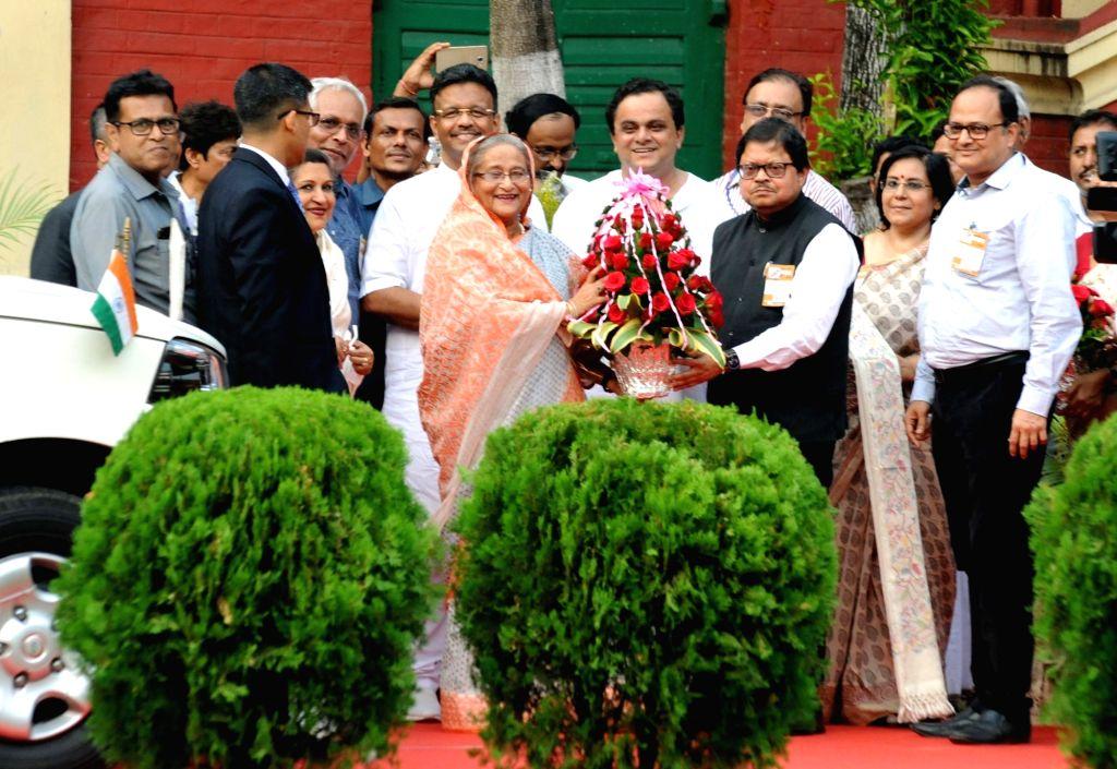 Bangladesh Prime Minister Sheikh Hasina during her visit to Rabindra Bharati University at Jorasanko in Kolkata, on May 25, 2018. - Sheikh Hasina