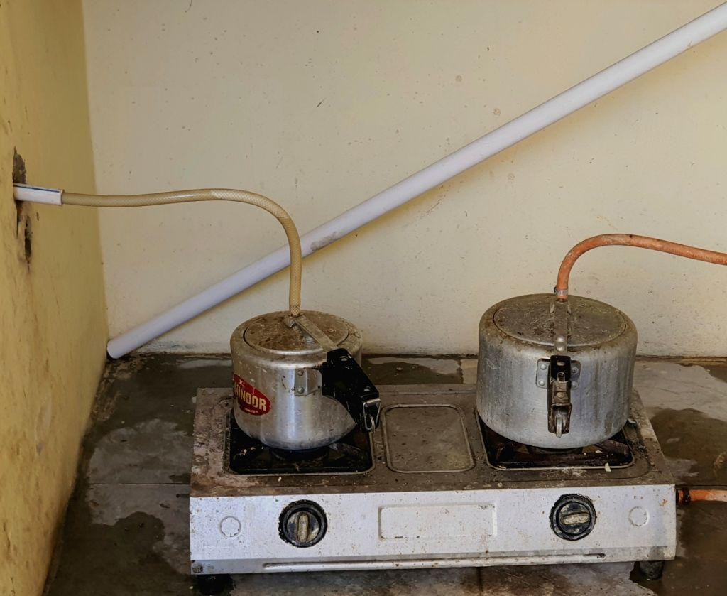 banker uses pressure cooker steam.