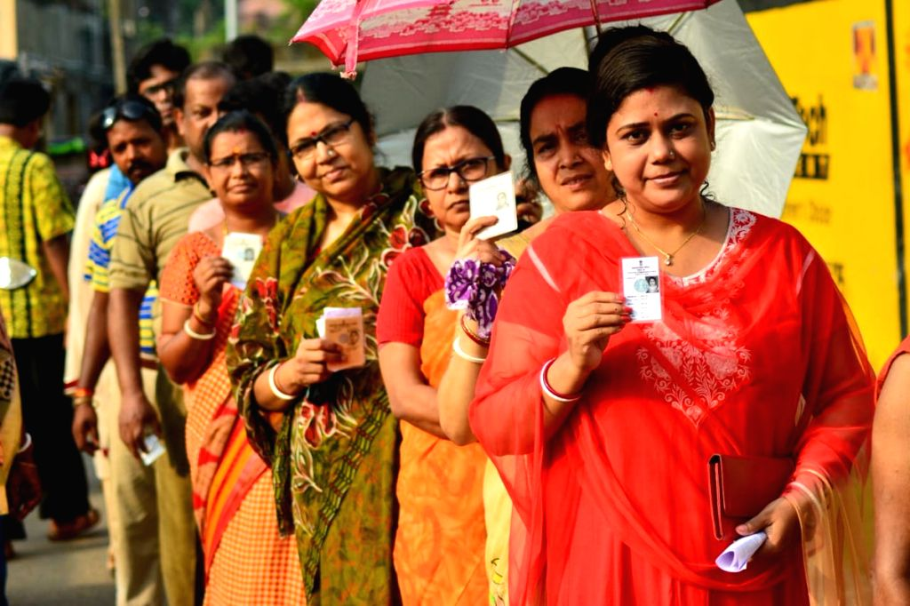 Bankura: People queue up to cast their votes during the sixth phase of 2019 Lok Sabha elections, in Bankura, West Bengal on May 12, 2019. (Photo: IANS/ECI)