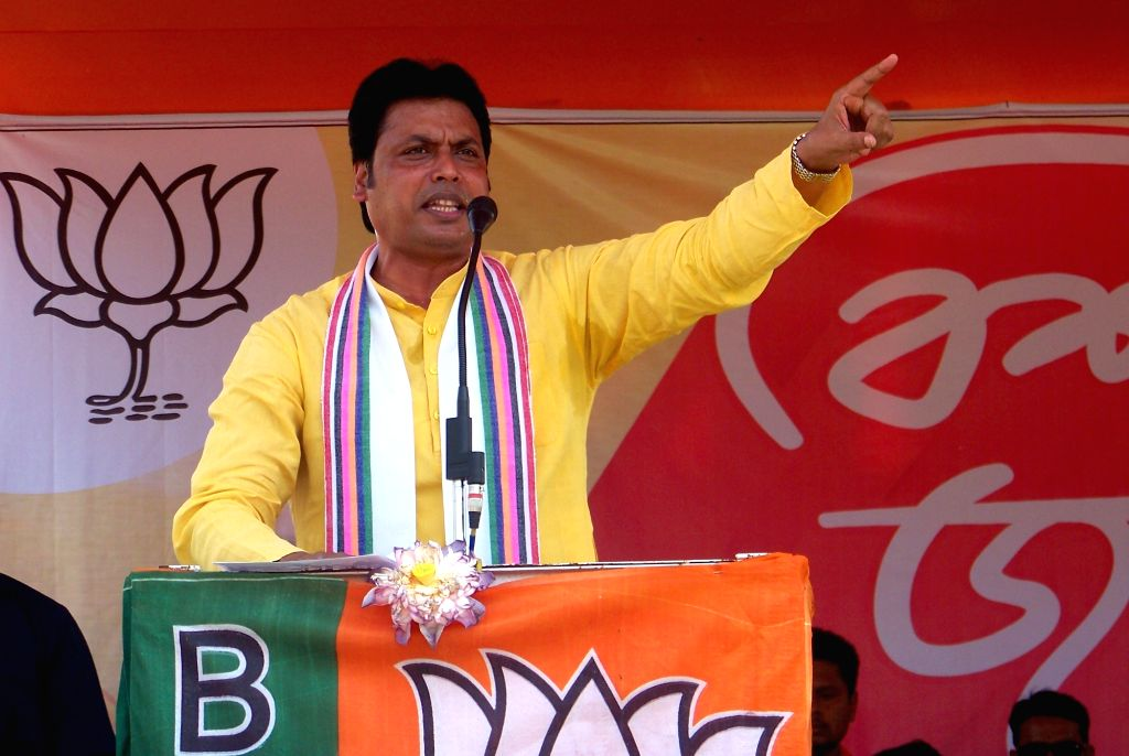 Bankura: Tripura Chief Minister and BJP leader Biplab Kumar Deb addresses a public public rally ahead of the 2019 Lok Sabha elections, in West Bengal's Bankura, on April 26, 2019. (Photo: Indrajit Roy/IANS) - Biplab Kumar Deb and Indrajit Roy