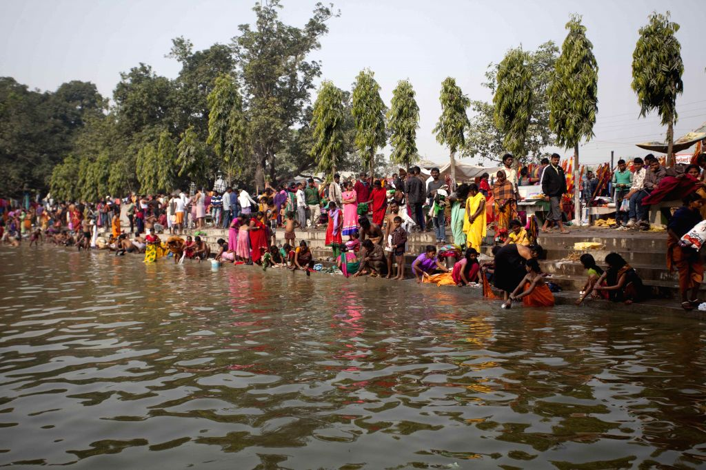 Bara (Nepal): Hindu devotees take bath to purify themselves in the pond of Gadhimai Temple to please Gadhimai in Bariyapur, Bara, Nepal, Nov. 27, 2014. Gadhimai festival is a Hindu festival with the .