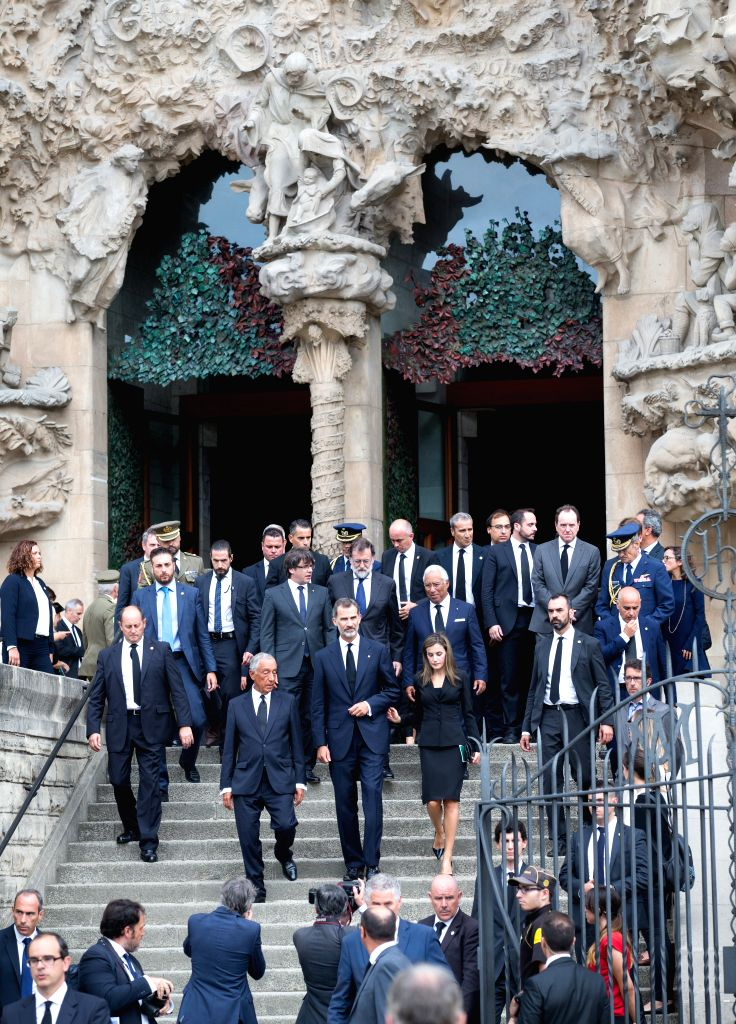 BARCELONA, Aug. 20, 2017 - Spain's King Felipe VI (C, front) and Prime Minister Mariano Rajoy (C, middle) leave the Sagrada Familia after a mass to commemorate victims of two devastating terror ... - Mariano Rajoy