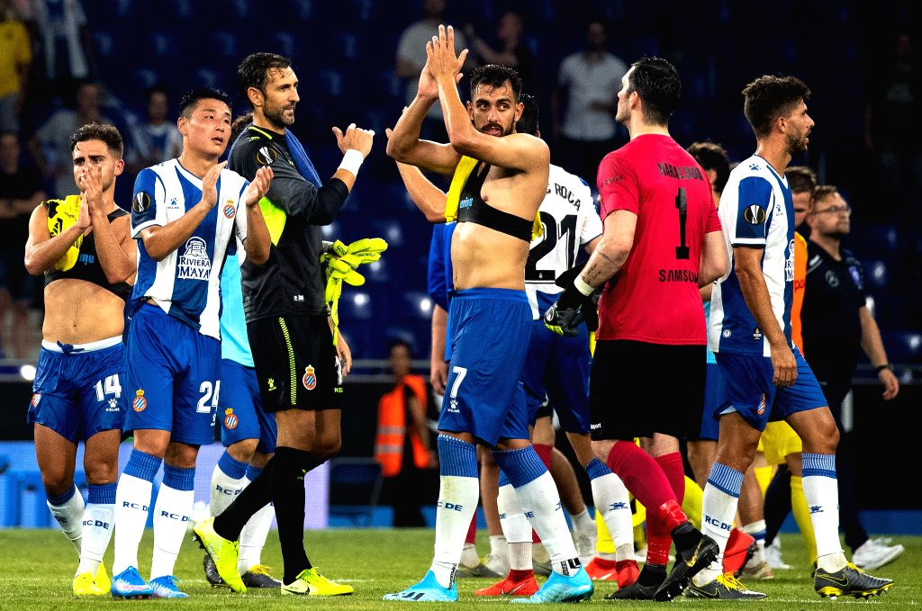 BARCELONA, July 26, 2019 - RCD Espanyol's Wu Lei (2nd L) greets the audience with teammates after the Europa League qualifying second round between RCD Espanyol of Spain and Stjarnan of Iceland at ...
